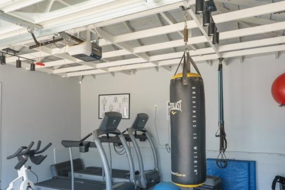 Home Gym in Hawthorne  | garageconversion.org